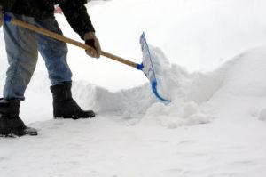 shoveling-snow1