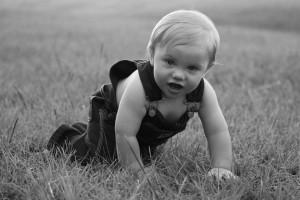 pregnancy, baby crawling, baby development